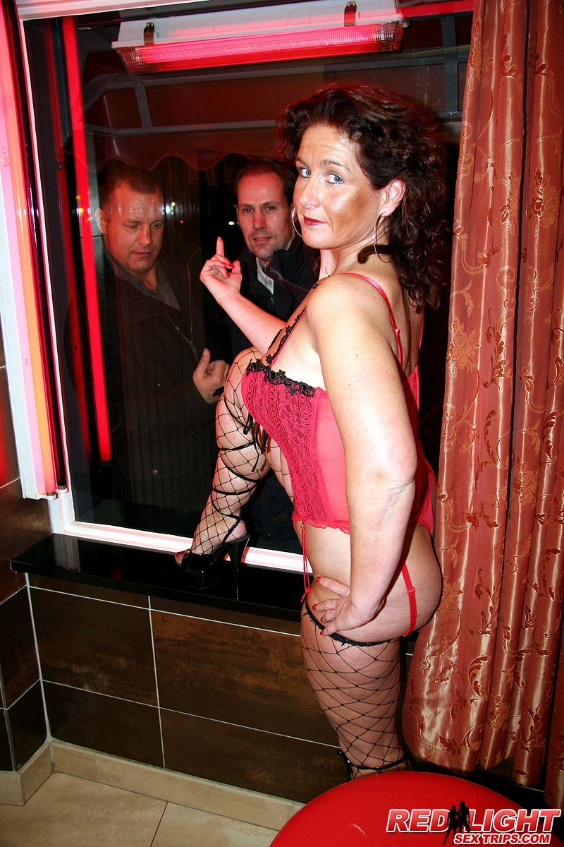 fishnet wore granny throats and gets shaved fanny rammedcondom