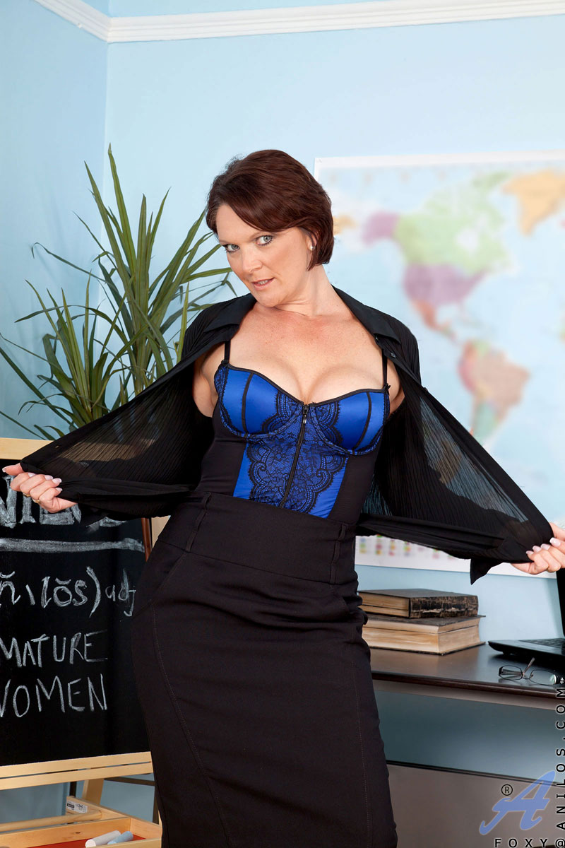 filthy hot milf teacher strips and pleasures her mature pussy - sex
