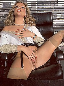 Retro secretary fucked by her boss
