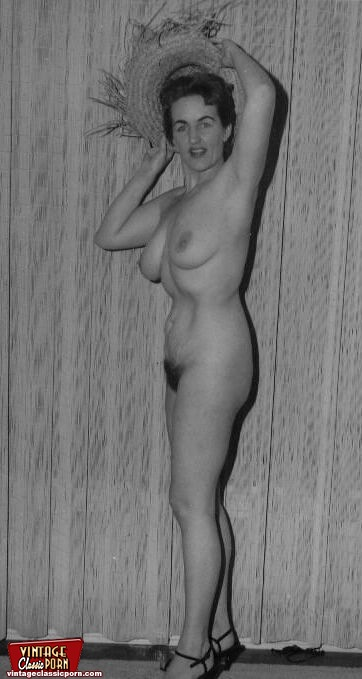 50s house wife naked