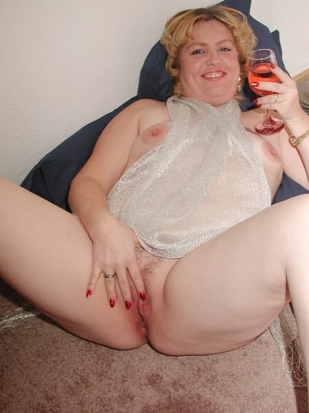 Bbw and red wine you know what happenes after to that plump 2
