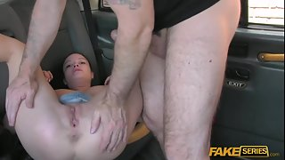 Horny Sexy Babes Get Hardcore Sex Action in Car